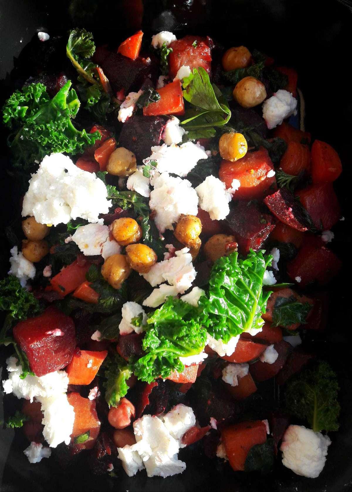 Salade-met-rode-bietspelt-tomaat